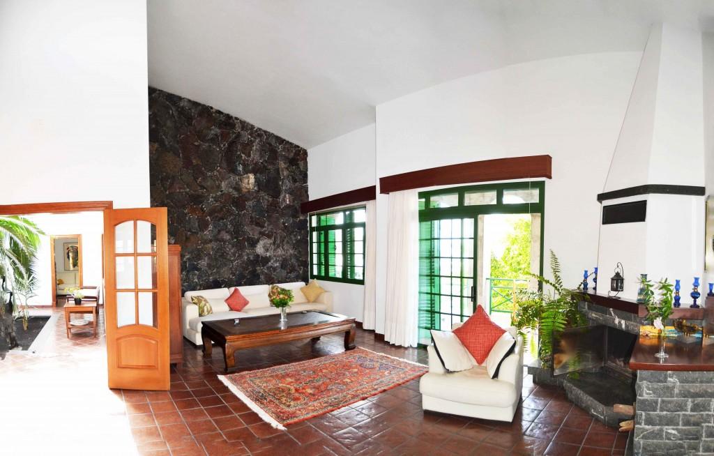 3 Casa Juana Salon Pano 1